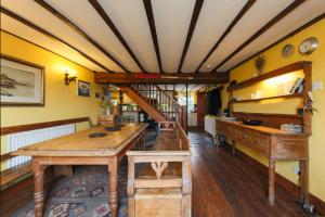 kitchen chapel
